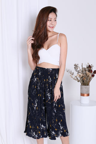 *RESTOCKED* GWEN FLORAL CULOTTES IN NAVY