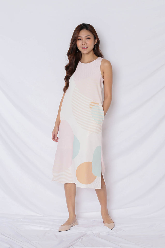 (PREMIUM) THE GEOMETRIC COLLECTION MIDI SHIFT DRESS (VERSION 1) EARTH - TOPAZETTE