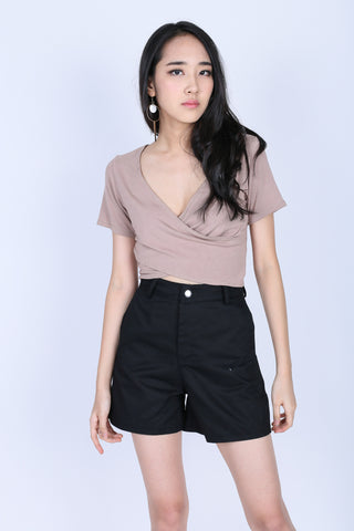 *BACKORDER* QUINN CROSS WRAP CROP TOP IN TAUPE