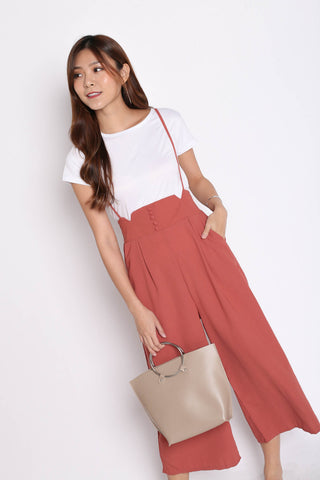 PALLAS BUTTON DOWN DUNGAREE SET IN CORAL