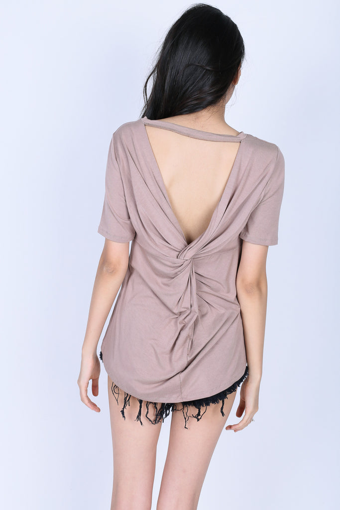 TWIST BACK OVERSIZED TOP IN TAUPE
