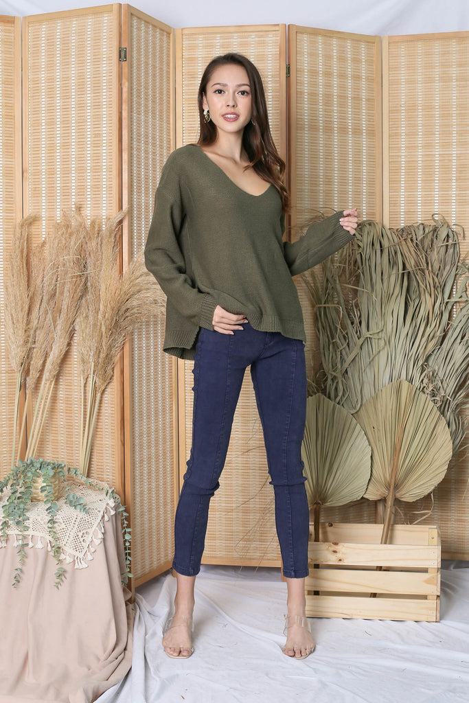 SASSY KNIT TOP IN OLIVE