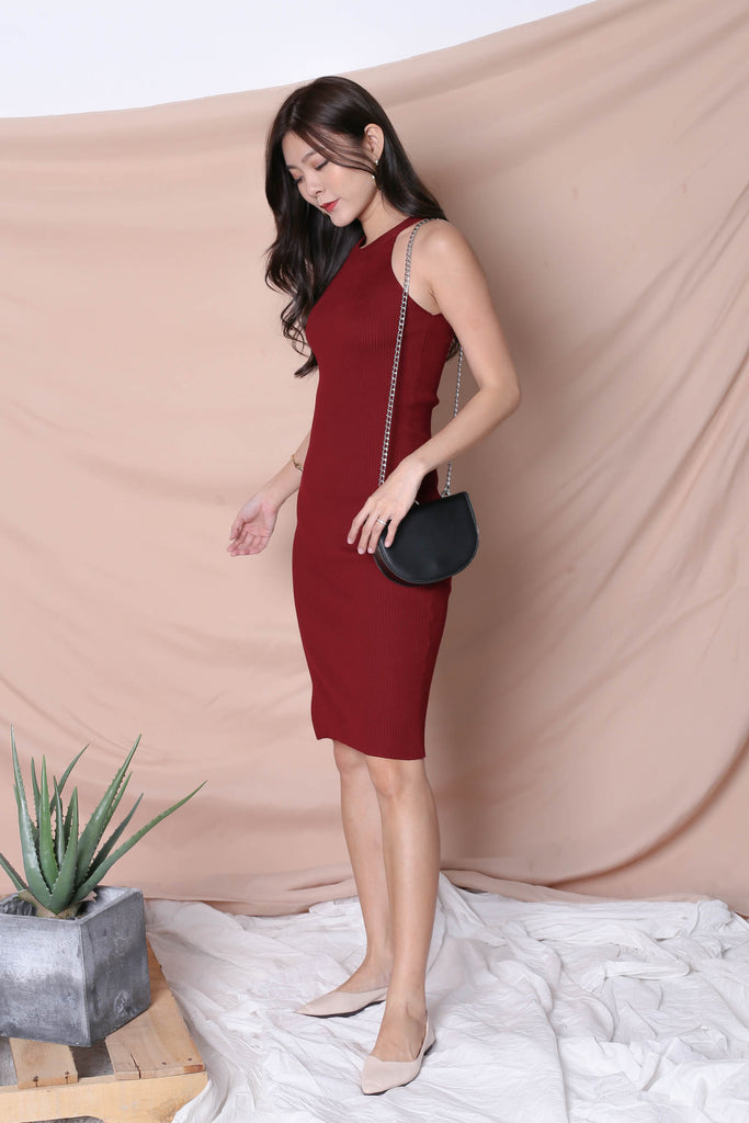 YEIRA HALTER KNIT SLIT DRESS IN WINE