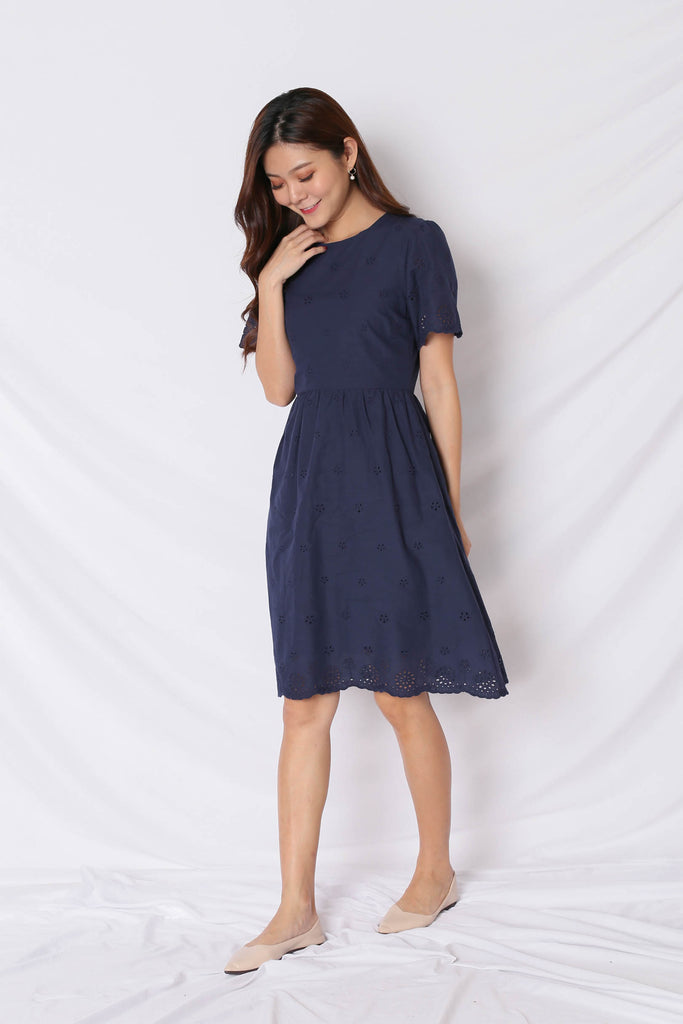 (PREMIUM) HALLY EYELET DRESS IN NAVY - TOPAZETTE