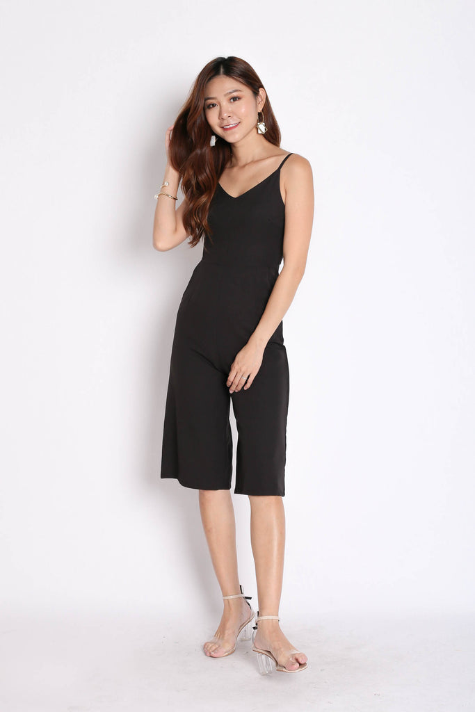 (PREMIUM) PESEIDON CULOTTES JUMPSUIT WITH BELT IN BLACK - TOPAZETTE