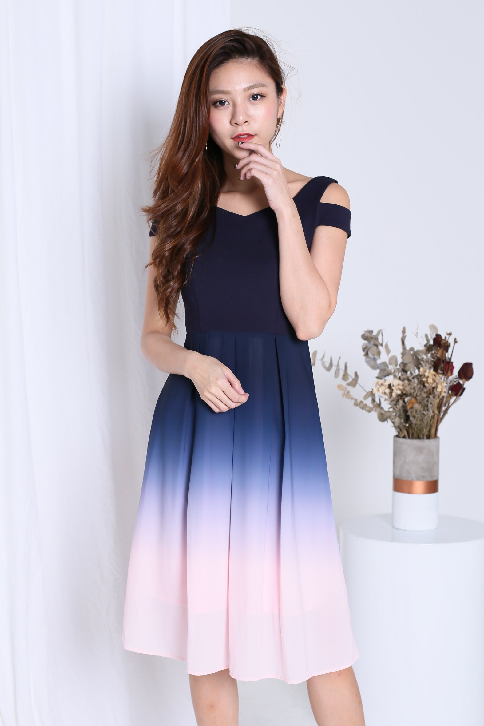 8bfe5d364ff5be PREMIUM  ONE LAST DANCE OMBRE COLD SHOULDER DRESS (NAVY-PINK ...
