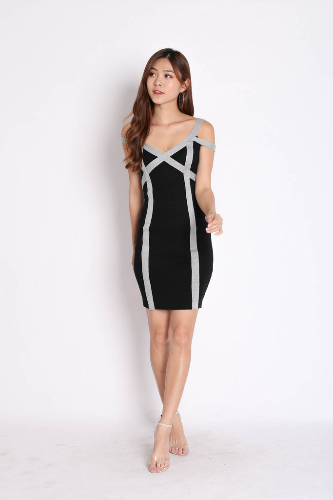YOEL BANDAGED KNIT DRESS IN BLACK - TOPAZETTE