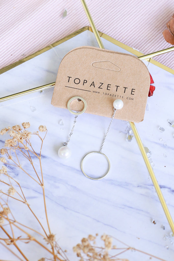 BRIELLE PEARL MISMATCHED EARRINGS - TOPAZETTE