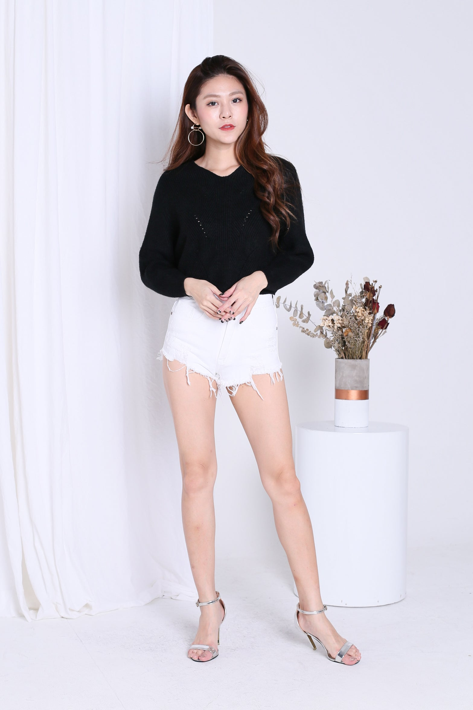 KYLIE SOFT KNIT TOP IN BLACK