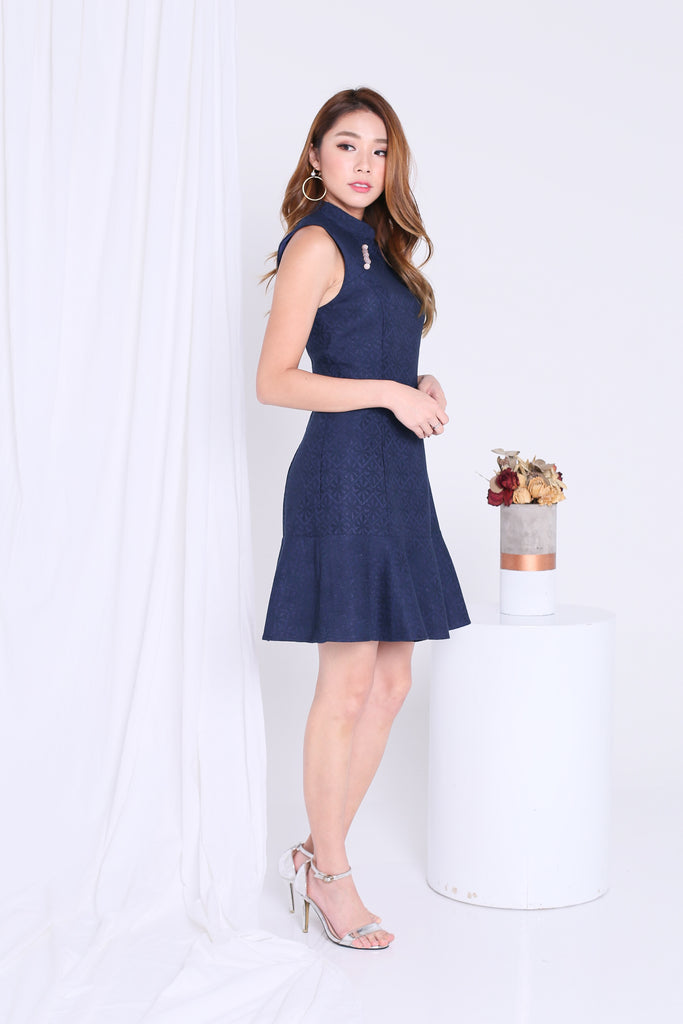 *PREMIUM* KAI ORIENT EMBOSSED PEARL DRESS IN NAVY - TOPAZETTE