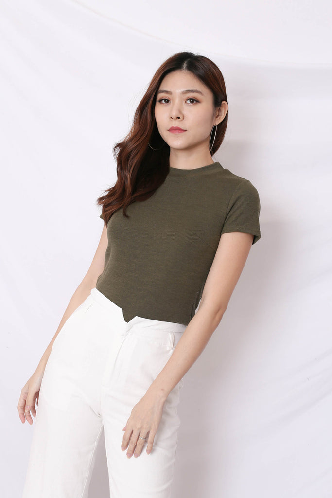 *TPZ* YOUR BASIC KNIT TOP IN OLIVE