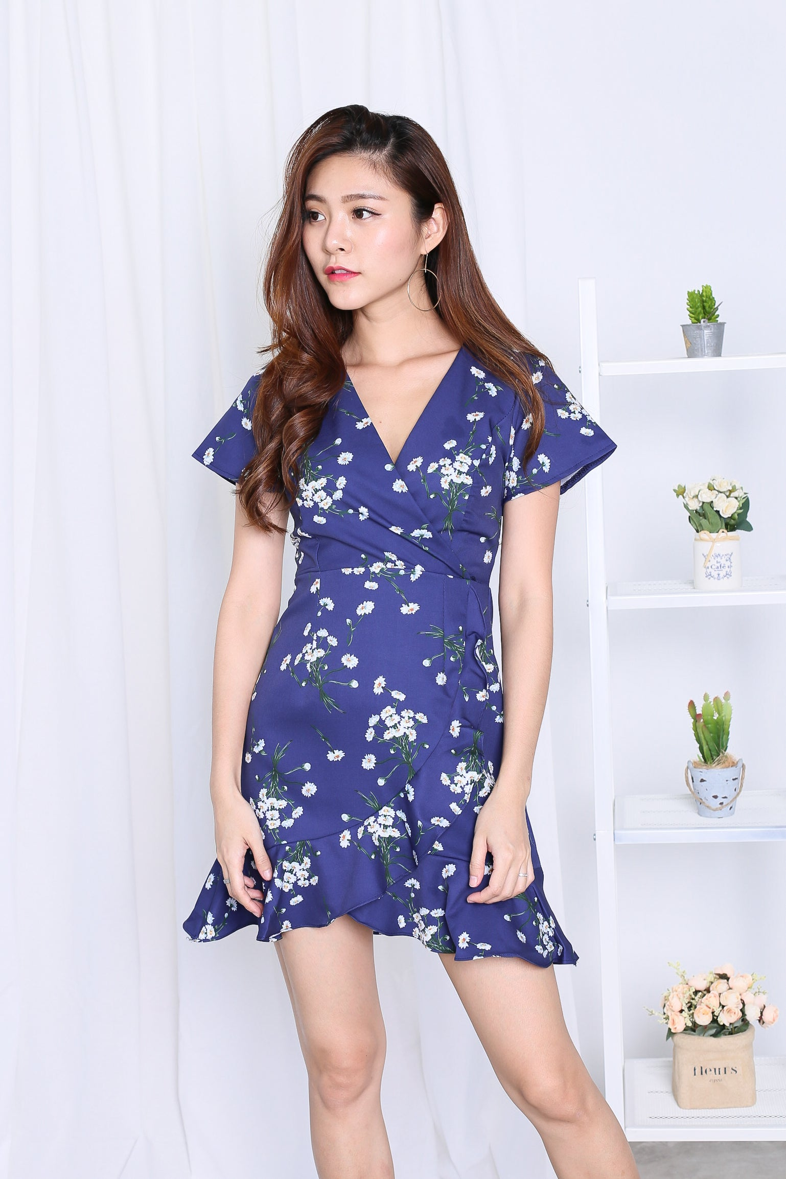 *TOPAZ* (PREMIUM) DAWN WRAP DRESS IN NAVY FLORALS