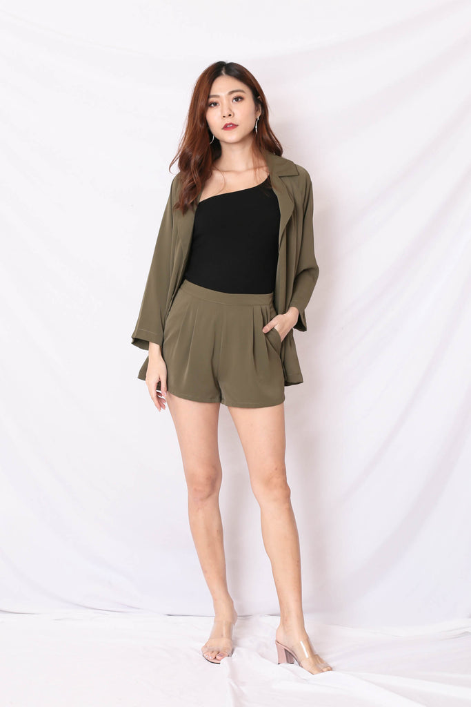 *TPZ* (PREMIUM) BEST OF BOTH WORLDS BLAZER AND SHORTS SET IN ARMY GREEN