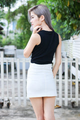 ESSENTIAL DENIM SKIRT IN WHITE