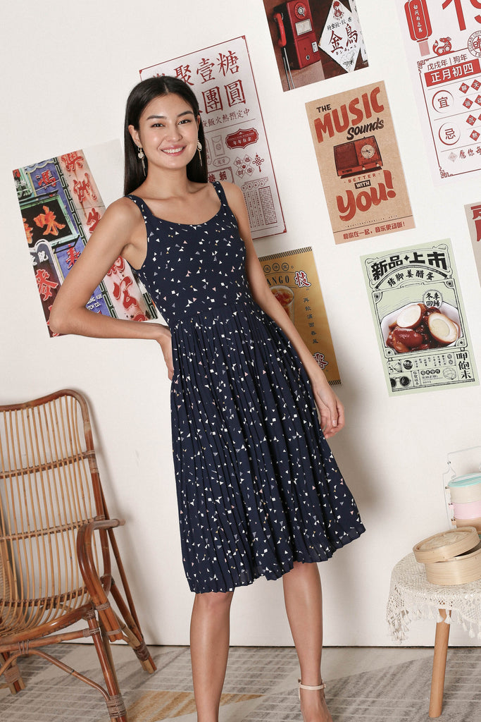 *TPZ* KYRA TERRAZZO PLEATED DRESS IN NAVY