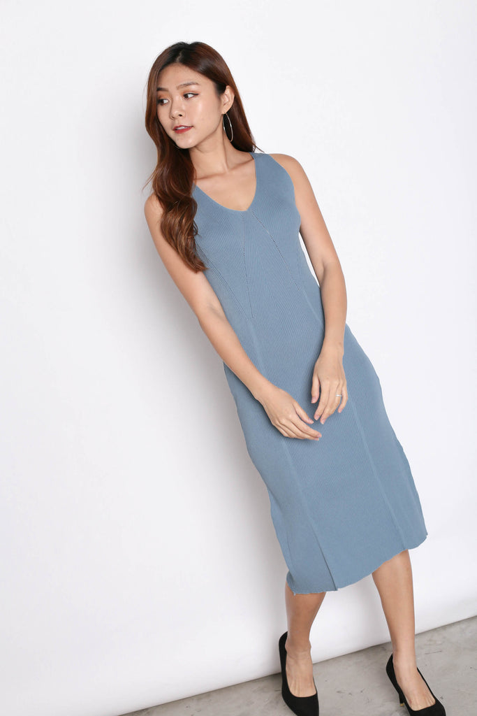 DAL KNIT MIDI DRESS IN PASTEL BLUE - TOPAZETTE