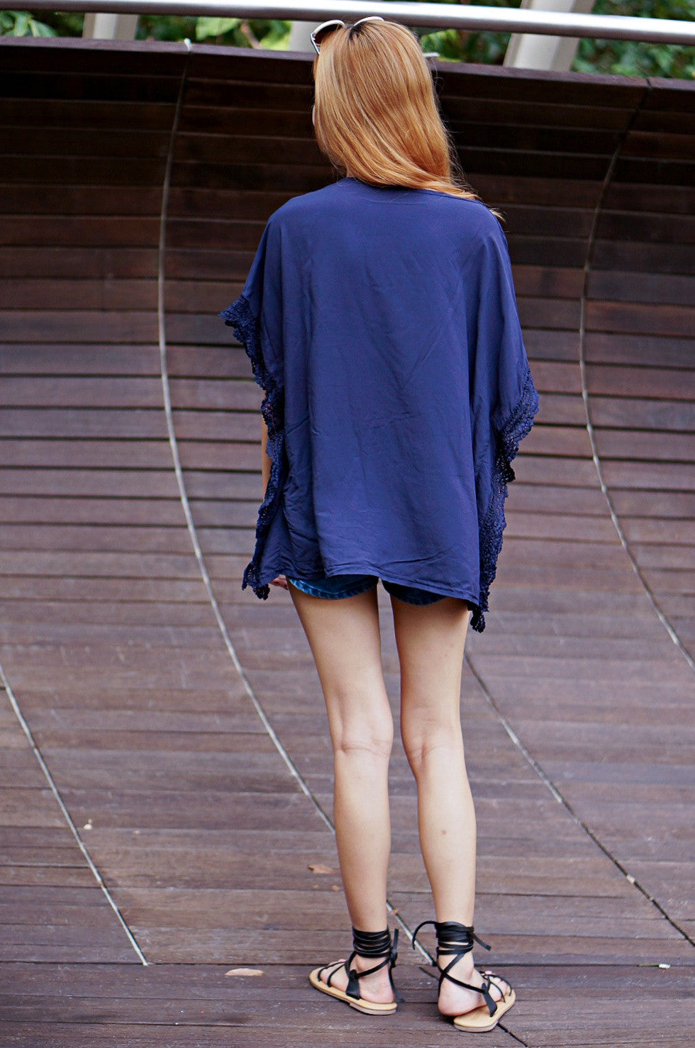 FALLEN LEAVES BATWING TOP IN NAVY