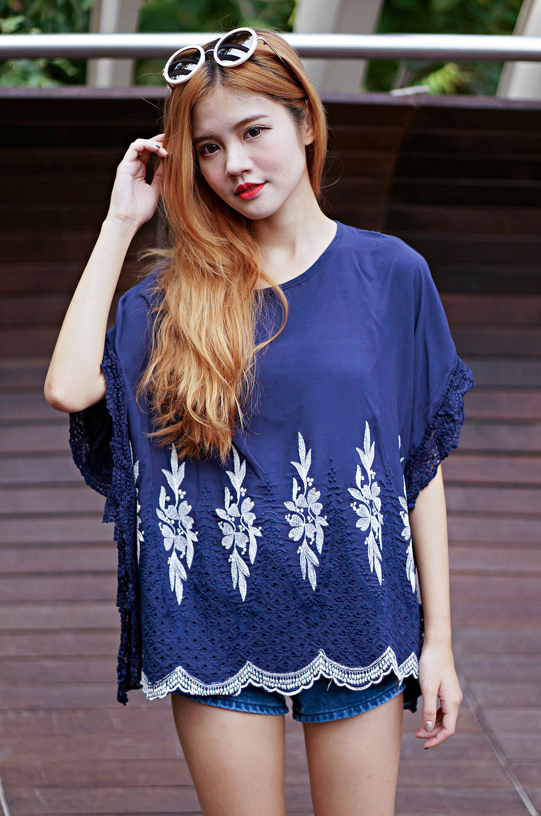 FALLEN LEAVES BATWING TOP IN NAVY - TOPAZETTE