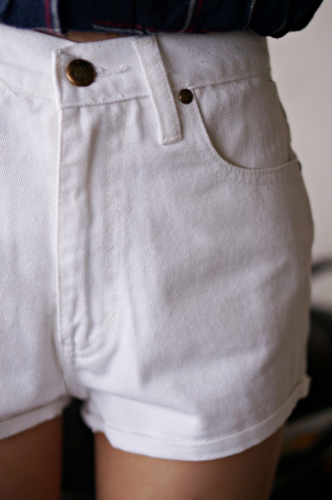 OFF DUTY DENIM SHORTS IN WHITE - TOPAZETTE