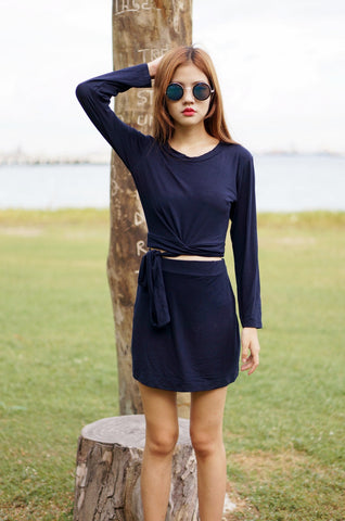 LESS IS MORE 2PC SET IN NAVY - TOPAZETTE