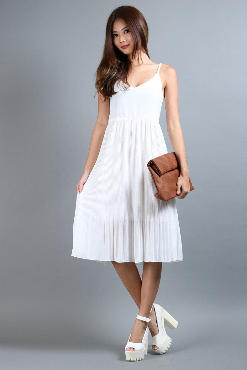 FLOWY PLEATS MIDI IN WHITE - TOPAZETTE