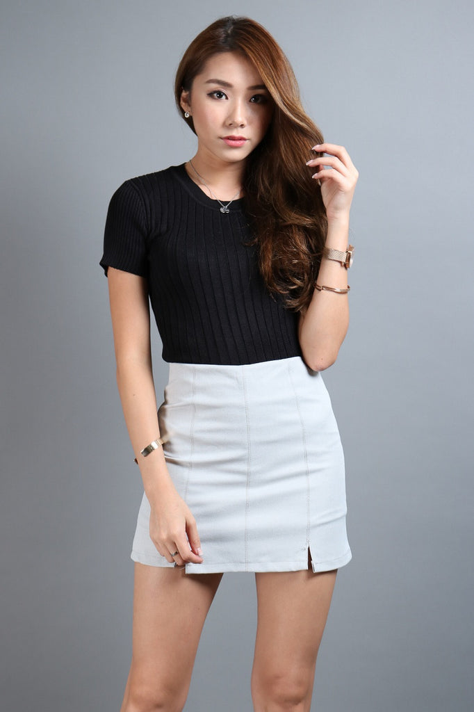 *RESTOCKED* STAPLE SKORTS IN LIGHT GREY - TOPAZETTE