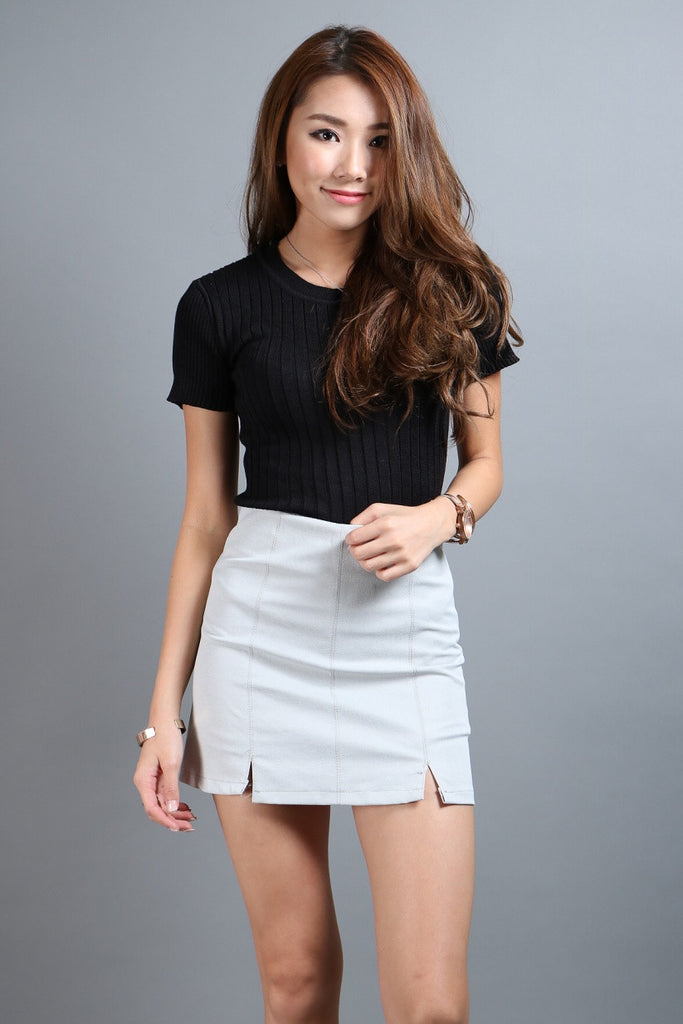 (RESTOCKED 5) STAPLE SKORTS IN LIGHT GREY - TOPAZETTE