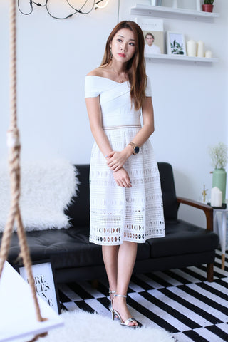 (PREMIUM) LUNA CROCHET BANDAGE DRESS IN WHITE