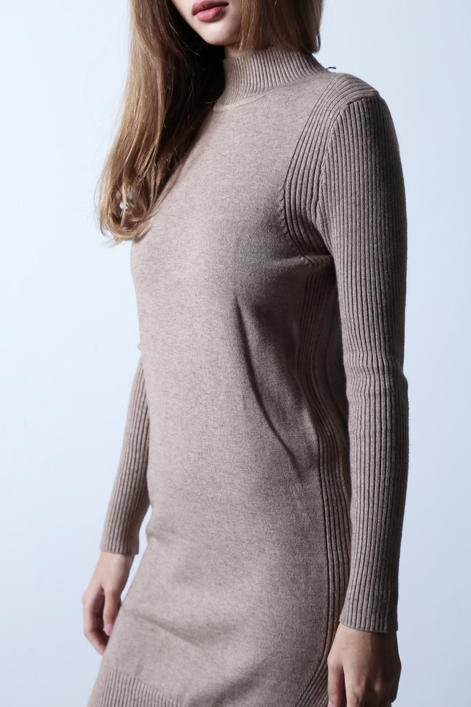 LOUNGE KNIT DRESS IN TAUPE - TOPAZETTE
