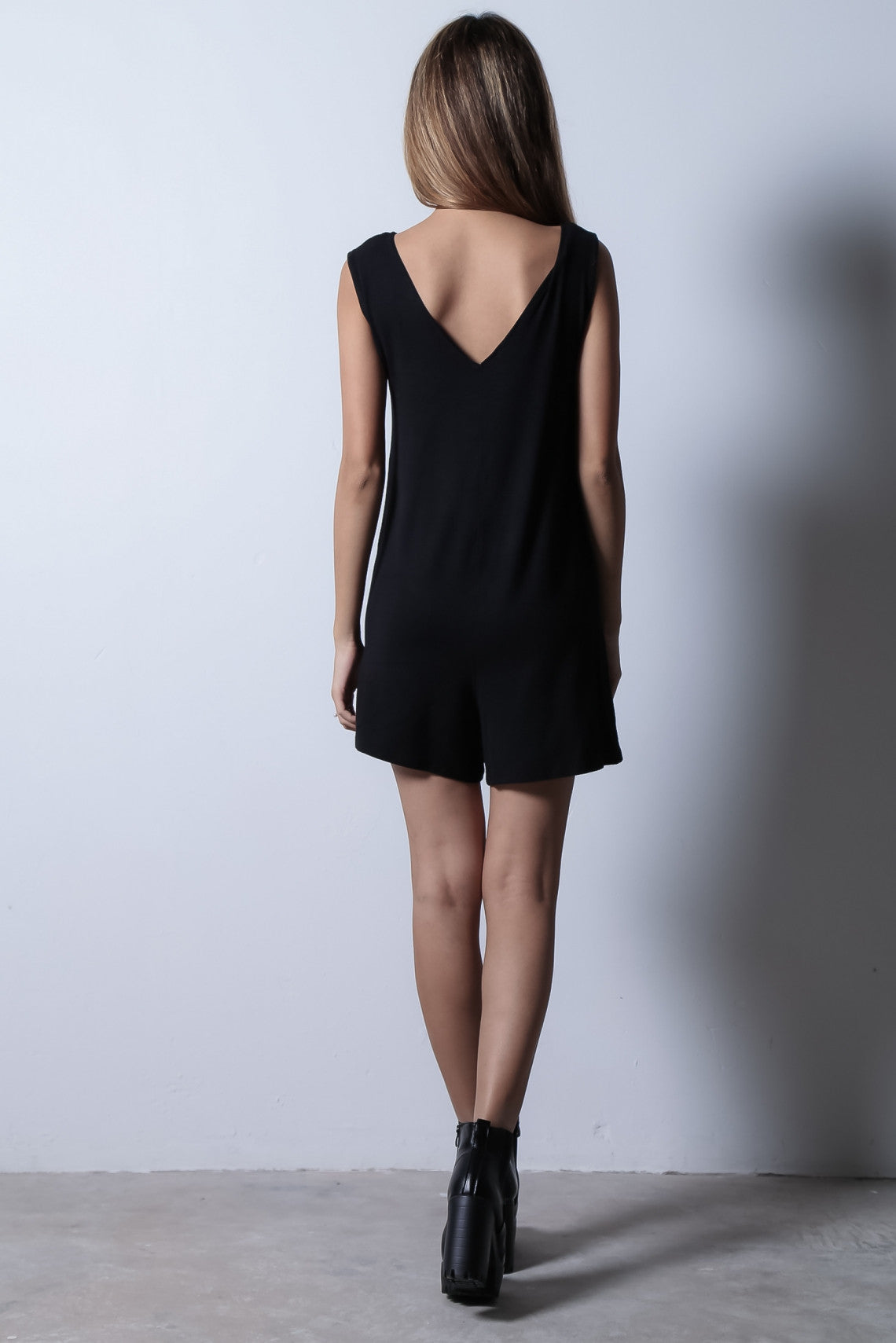 *BACKORDER* LAZY SUNDAY POCKET ROMPER IN BLACK - TOPAZETTE