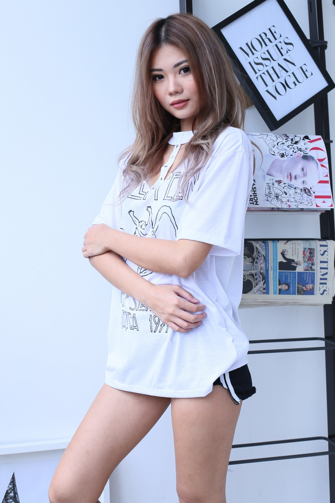 LZ T CHOKER TOP IN WHITE