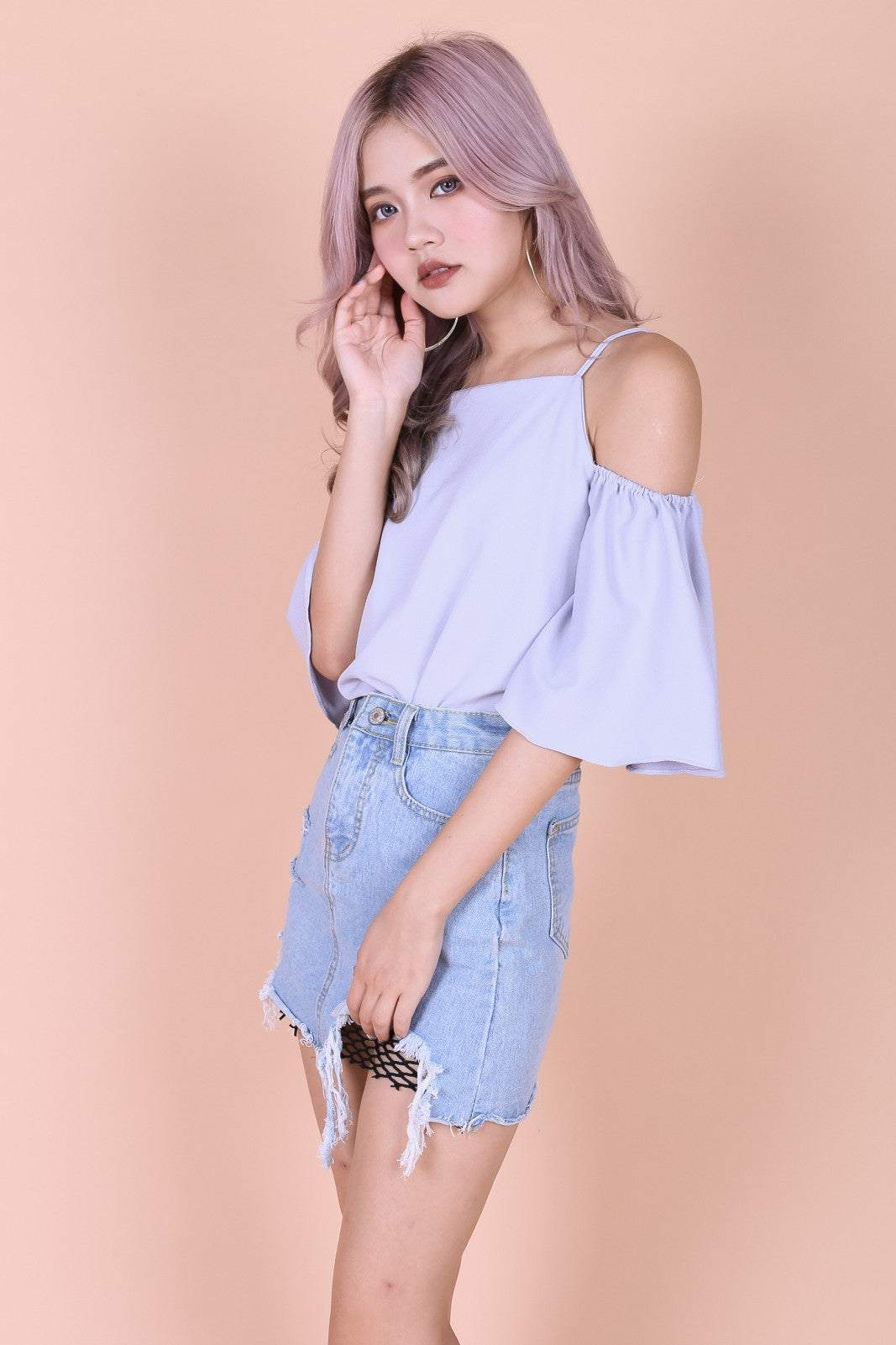 *RESTOCKED* MINTON COLD SHOULDER TOP IN GREY