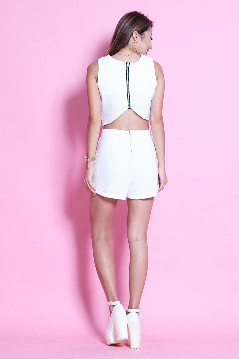 GLAMOUR CROP + SHORTS SET IN WHITE