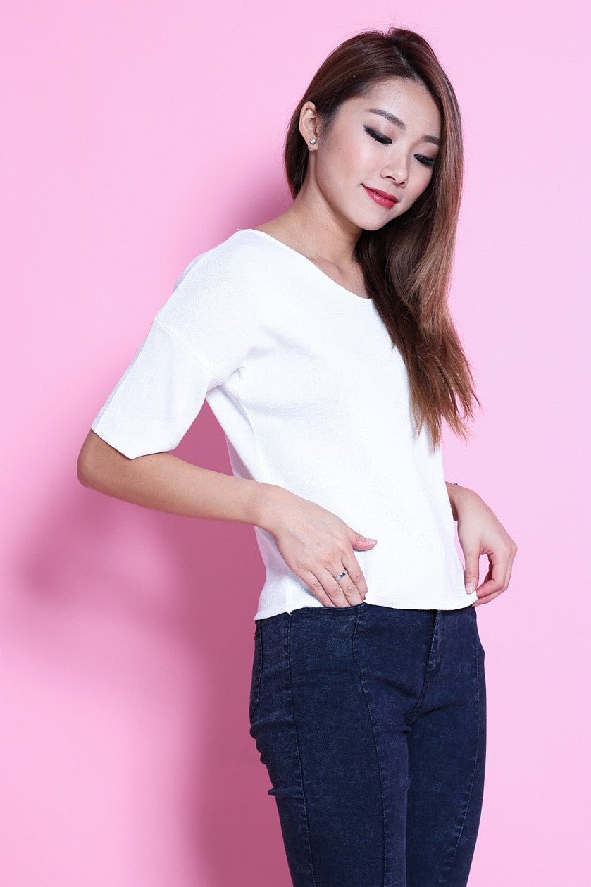T BACK KNIT TOP IN WHITE