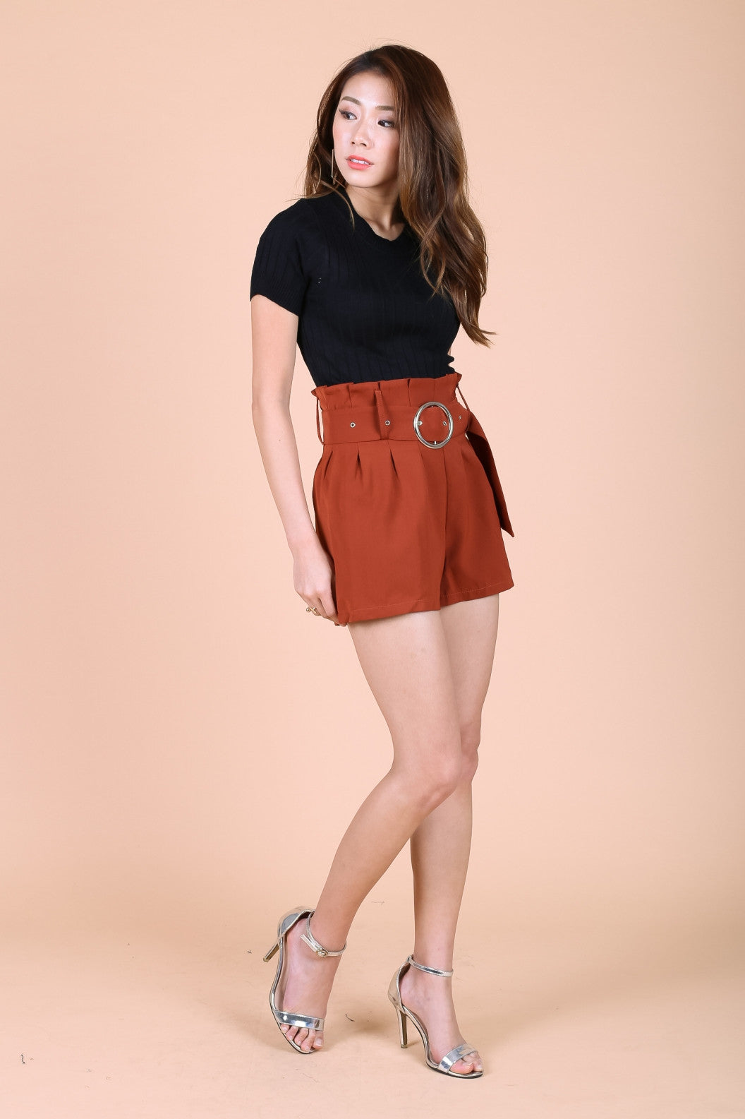 PAPERBAG SHORTS WITH BELT IN TANGO