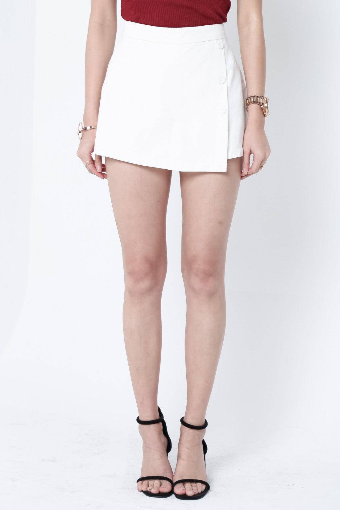 CRESIDA BUTTON SKORTS IN WHITE - TOPAZETTE