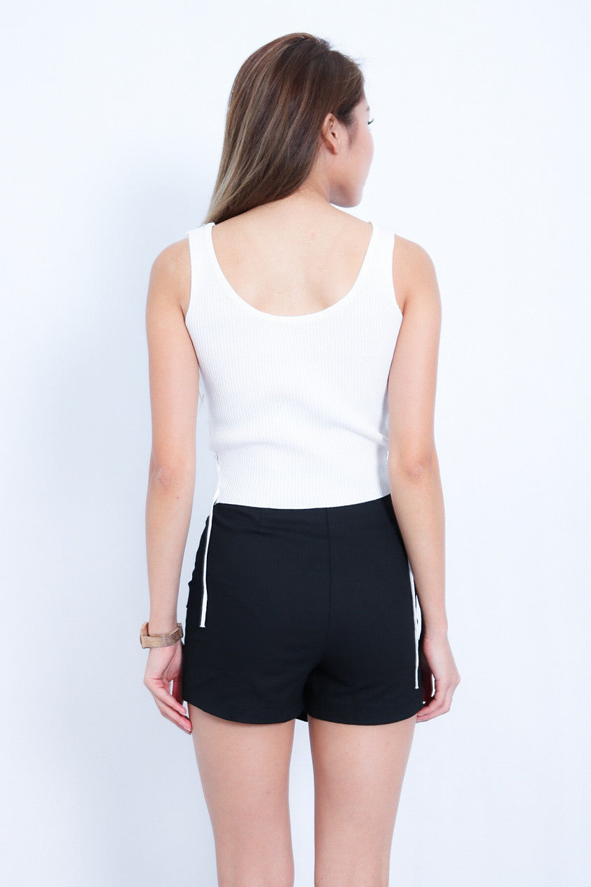 SIDE LACED UP KNIT TOP IN WHITE
