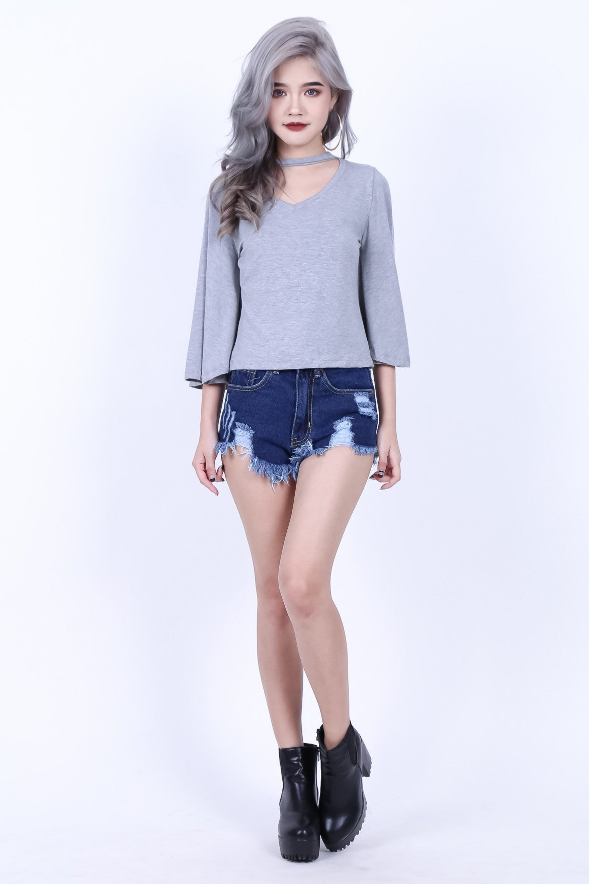 CHOKER BELL SLEEVES TOP IN LIGHT GREY - TOPAZETTE