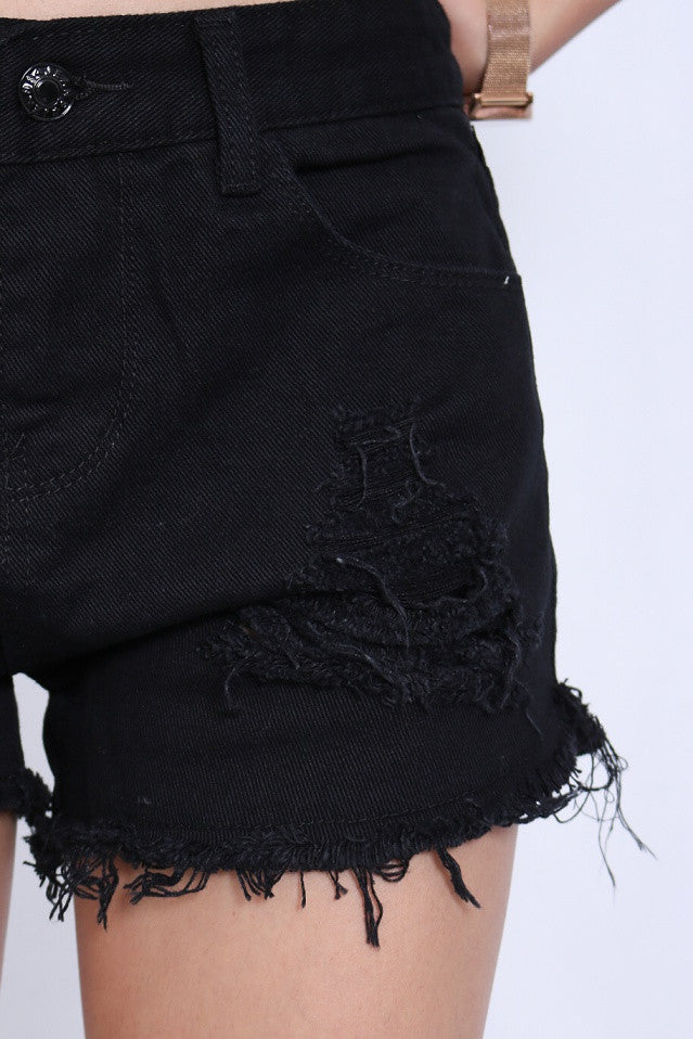 ESSENTIAL RIPPED SHORTS IN BLACK