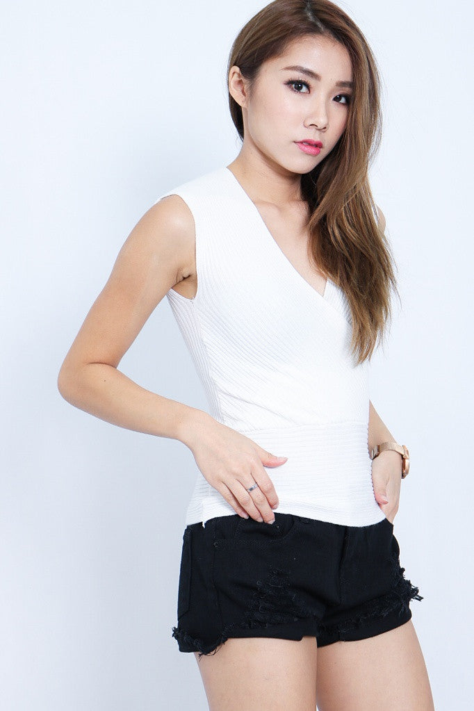 (RESTOCKED) WRAP UP KNIT TOP IN WHITE - TOPAZETTE