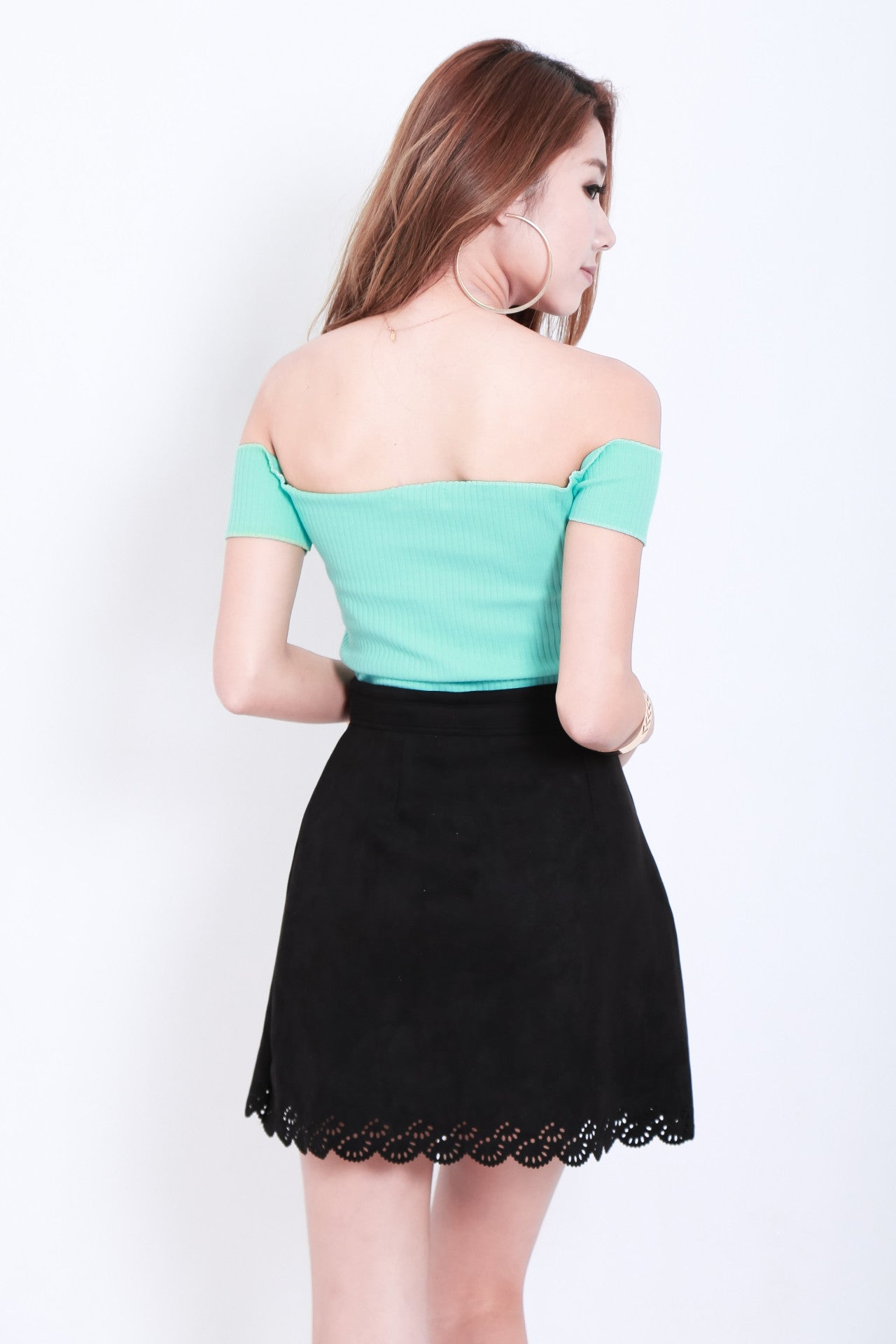 LASERCUT SCALLOP SUEDE SKIRT IN BLACK