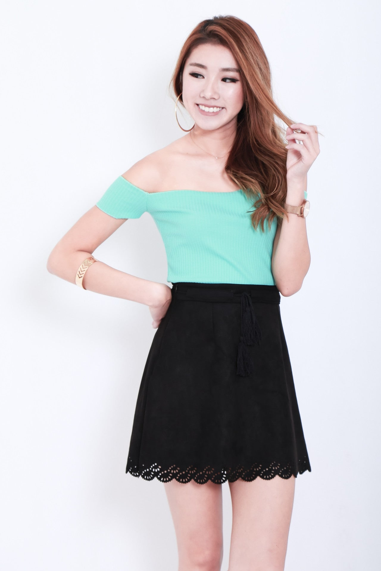 LASERCUT SCALLOP SUEDE SKIRT IN BLACK - TOPAZETTE