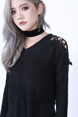 CABLE KNIT LACED TOP IN BLACK