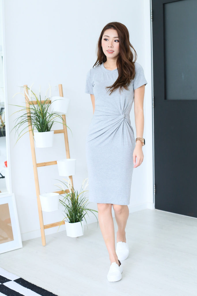 SLEEVED TWIST MIDI DRESS IN LIGHT GREY - TOPAZETTE