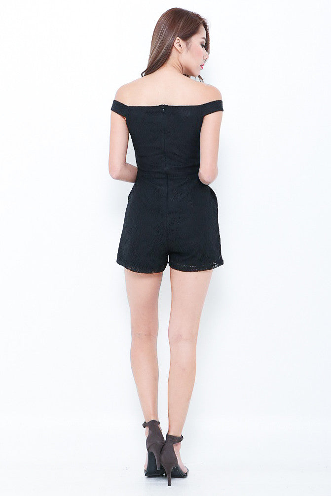 (PREMIUM) LACEY AFFAIR ROMPER IN BLACK - TOPAZETTE