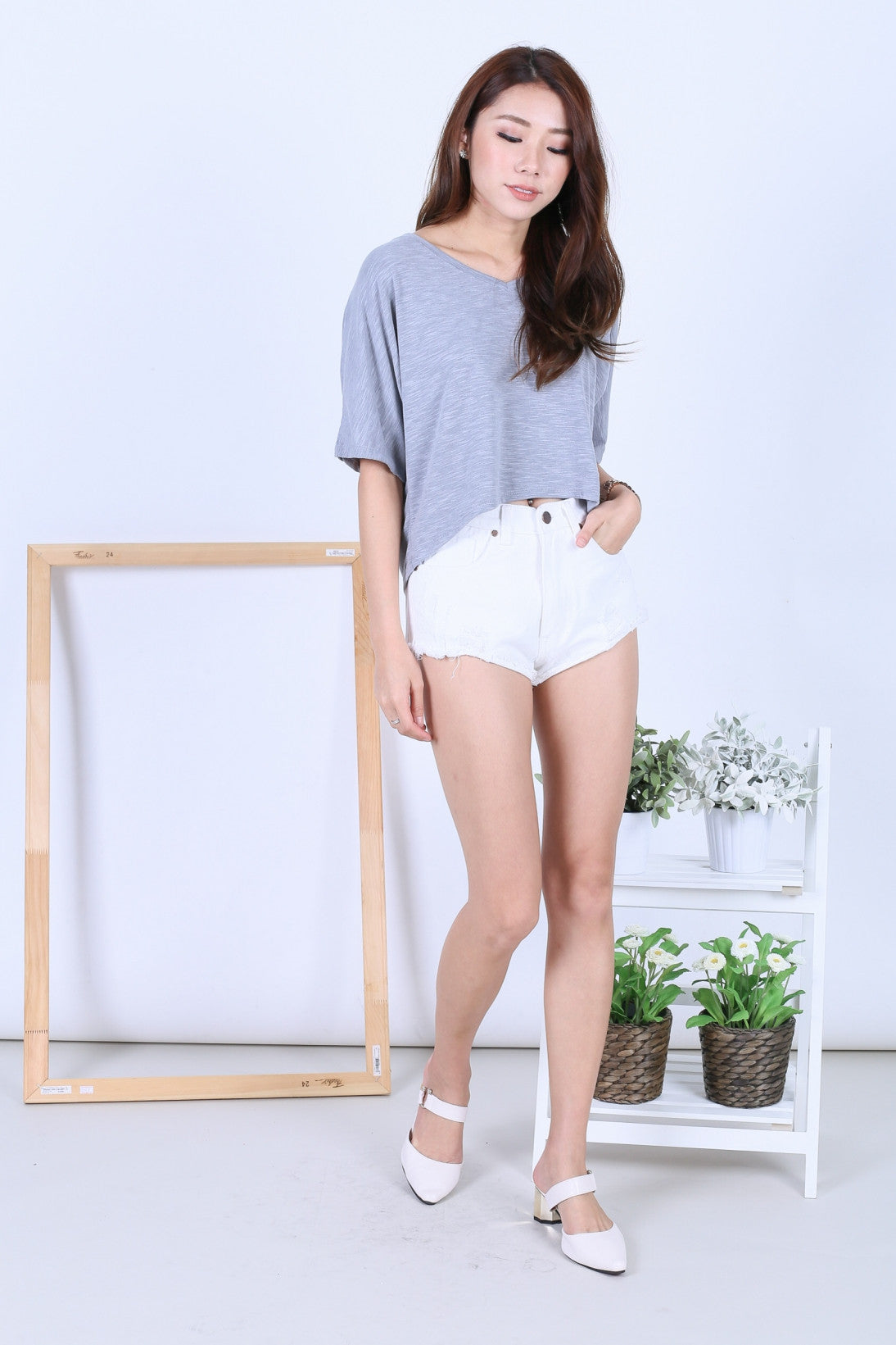 BASIC WASHED OUT TEE IN LIGHT GREY - TOPAZETTE