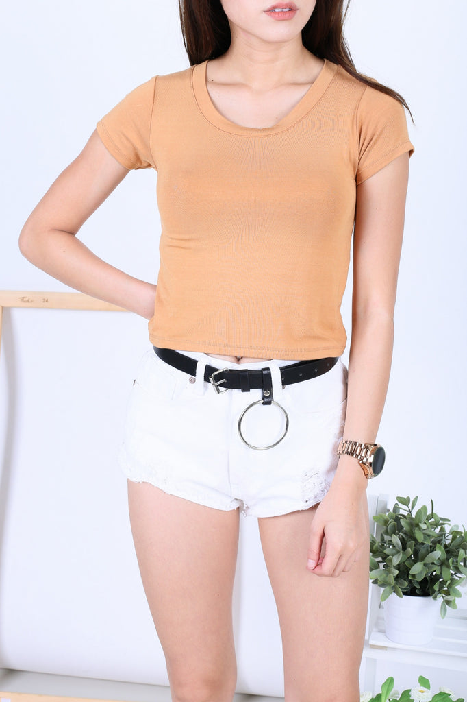 OFF DUTY BASIC TEE TOP IN MUSTARD