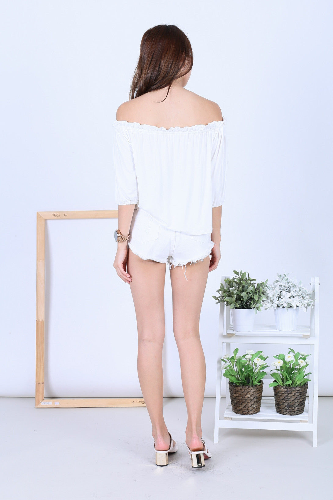 *RESTOCKED* OFF DUTY BUTTON BASIC OFFSIE IN WHITE