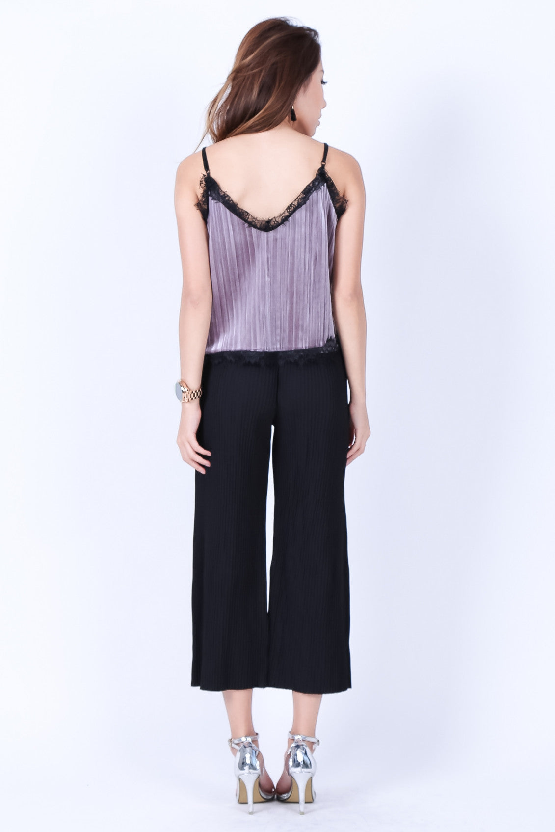 LACE VELVET PLEATS TOP IN LILAC