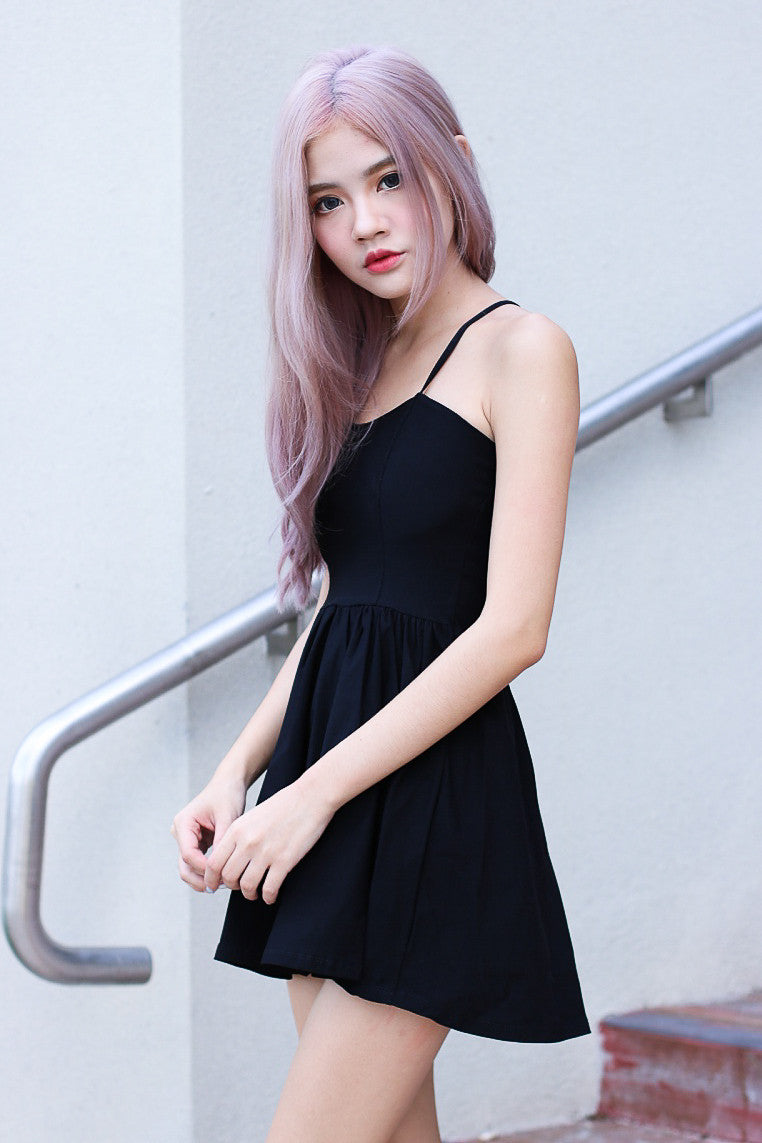 WEBBED BACK DRESS IN BLACK